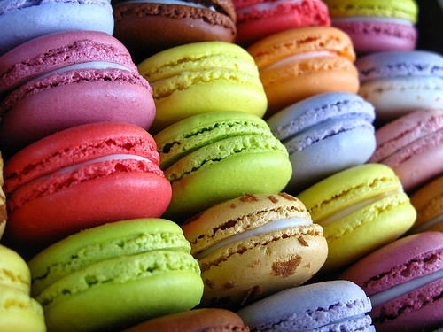 macarons-yummy-food-desserts-colorful-Favim.com-463038