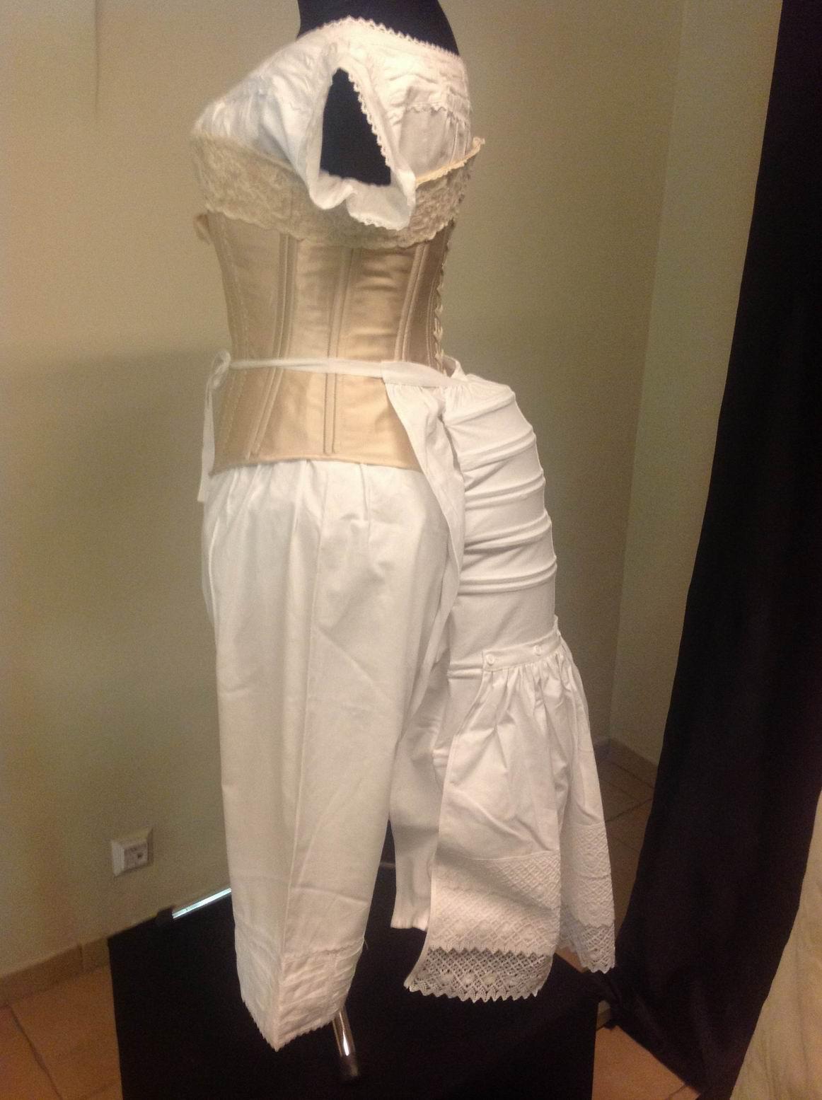 Wystawa XIX wiecznych sukien w Opolu